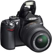 Nikon D5000 с объективом 18-55 мм